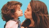 Samsung Anneler Günü Sergisi'nde Ünlü Anneler